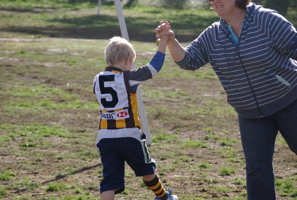 High-five-mum