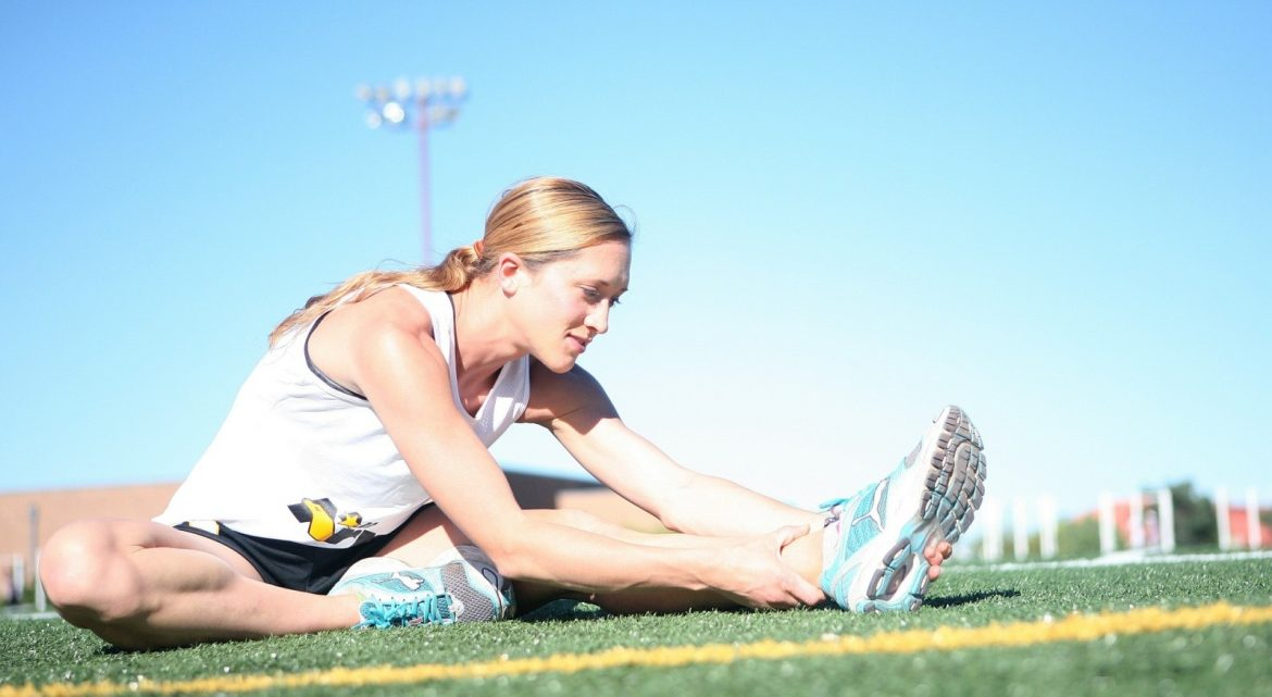 runner-stretching-muscles