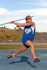 Javelin-girl-throwing