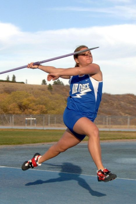 Javelin-girl-throwing